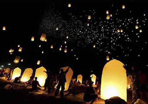 答:孔明灯是与现代热气球的原理一样